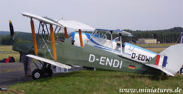 De Havilland DH-82 Tiger Moth biplano
