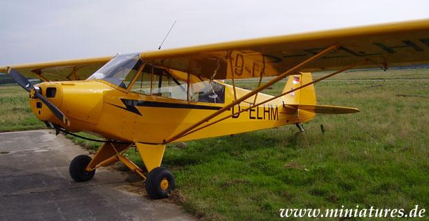 Aereo da collegamento e osservazione leggero Piper L-4 Cub