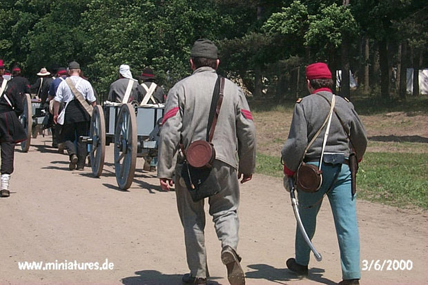 Confederate Lynchburg Artillery being manhandled