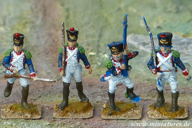 Airfix and ESCI French fusiliers with epaulettes made of Green Stuff, now serving as Grenadiers and Voltigeurs.