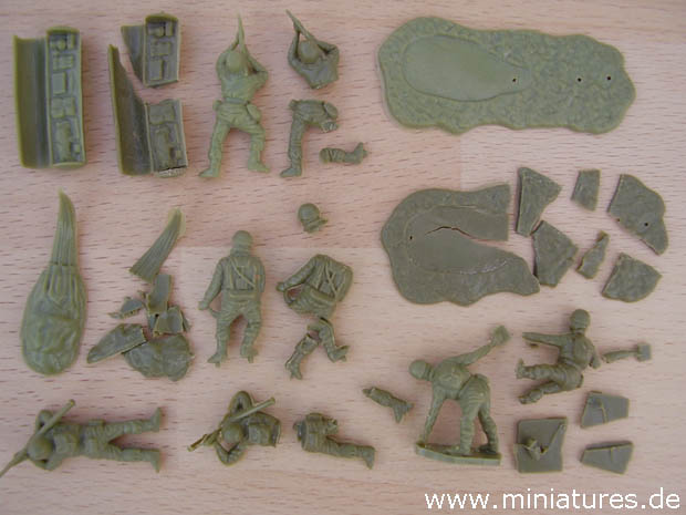 Brittling and Disintegration of Airfix�s 1:76 Scale British Paratroops