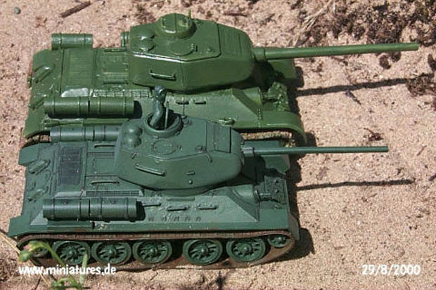 T-34 tanks in 1:72 e 1:76 scale