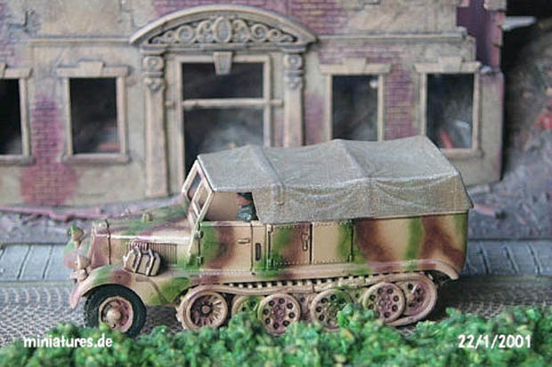 Sd.Kfz. 11 Light Tractor 3 t in 1943 camouflage pattern