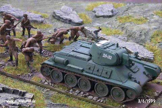 Soviet T-34/76.C Medium Tank, 1:76 Model Kit Revell 03154