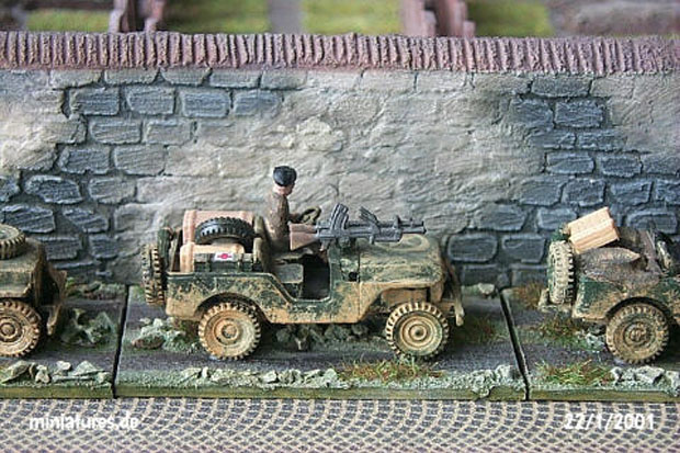 Willys Jeep M38 A1 converted to a British Commando Jeep with twin Bren machine guns, 1:87 H0 Maqueta ROCO 142