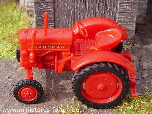 Hanomag R 16 B All-Purpose Tractor, 1:87 H0 Model Wiking